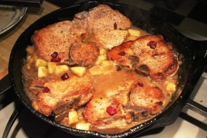 Pork chops and applesauce gravy - 1 resized